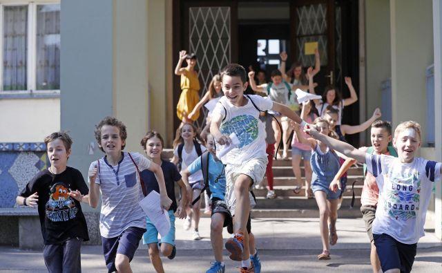 Dejavnosti, ki jih bodo šole učencem ponujale po pouku, naj bi jih sprostile, ne še dodatno obremenile, temeljile pa naj bi na gibanju. FOTO Leon Vidic