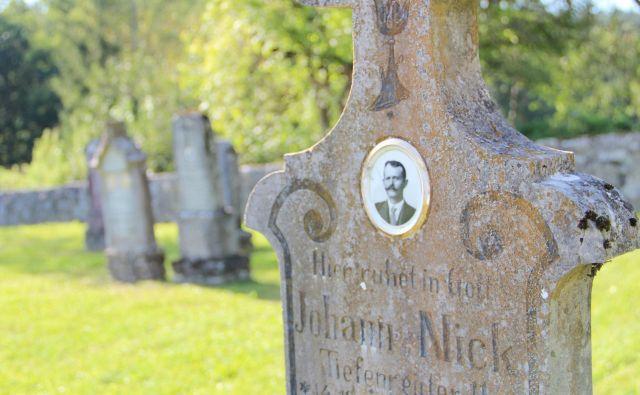 Nagrobniki - kot v Starem Logu - so najbolj očiten dokaz, da so na širšem območju Kočevske živeli kočevski Nemci.