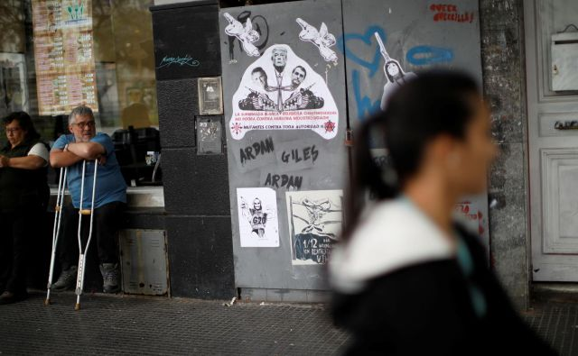S finančnimi težavami se ne srečujejo le najrevnejši Argentinci, ampak tudi (višji) srednji razred. Foto Reuters