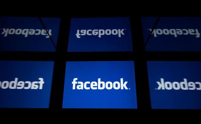 Facebook išče načine za cenejše in hitrejše načine za pošiljanje in prejemanje denarja za ljudi brez bančnega računa. FOTO: Lionel Bonaventure/AFP