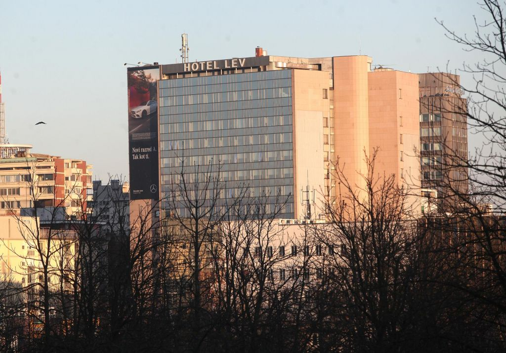 Hotel z nadstropjem, posvečenim Pavarottiju