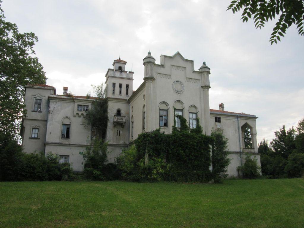 Ustanovitelj trgovske verige Jager bi imel dvorec