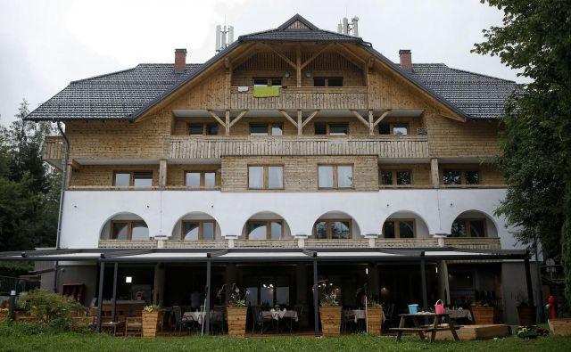 Aparthotel Triglav je še pred odprtjem gostil prve goste. Z obiskom avgusta so zelo zadovoljni. FOTO: Blaž Samec