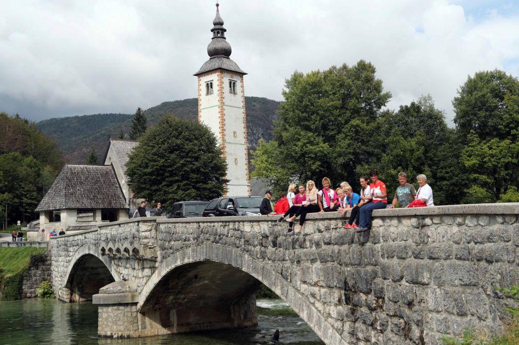 Vzdolžna razpoka na mostu čez Savo Bohinjko