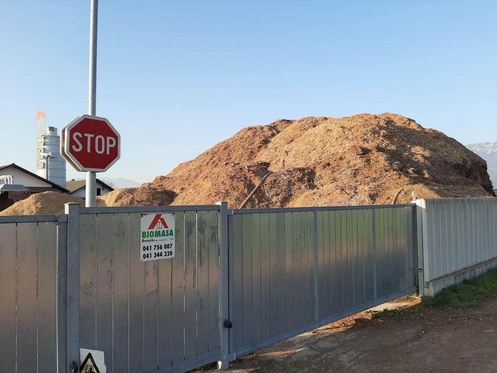 Biomasa Ovsenik pod plazom anonimnih očitkov
