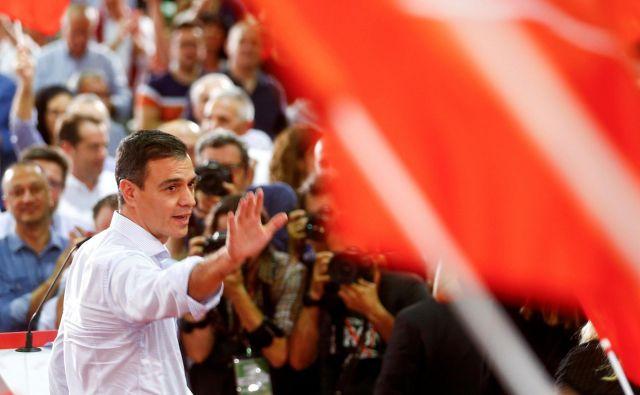 Premier in prvak socialistov Pedro Sánchez je pozval volivce, naj mu bolje pomagajo do močne in stabilne oblasti. Foto Reuters