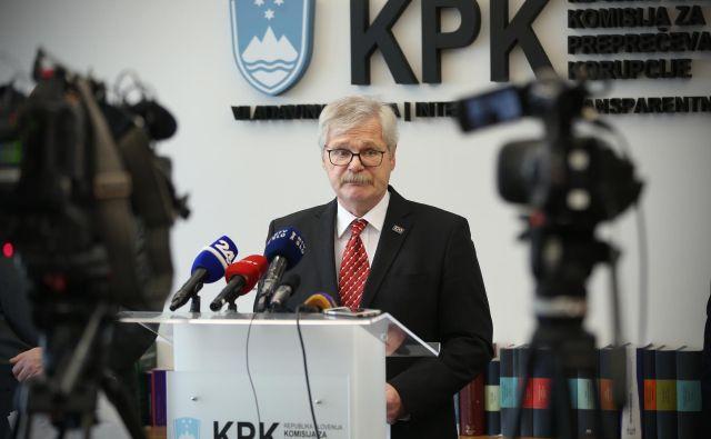 """Kot je dejal Boris Štefanec v začetku tedna, za takšno odločitvijo stojijo tako njegova družina kot sodelavci, sam pa je prepričan, da je """"bistveno boljši kandidat"""" za predsednika KPK, kot je bil pred šestimi leti, saj ima že šest let izkušenj. Mandat mu poteče marca. FOTO: Jure Eržen/Delo"""
