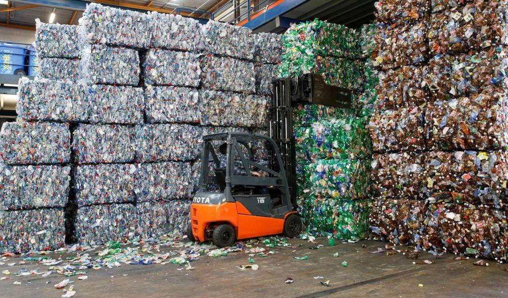 FOTO:Skupaj bi različne panoge lahko predelale več plastike