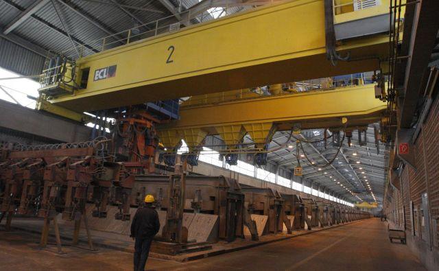 Najbolje je poklic predstaviti neposredno v proizvodnji, so prepričani v Talumu. FOTO Tadej Regent/Delo
