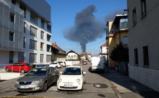 Po Alešovčevi se je dobro videl črn gobast oblak. FOTO: Aleš Stergar/Delo