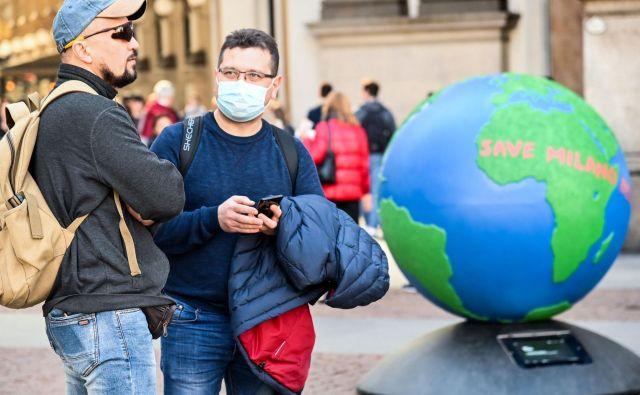 Da bi zajezili širjenje virusa, je italijanska vlada sprejela stroge ukrepe. Prizor iz milanskeganakupovalnega centra Galleria Vittorio Emanuele.FOTO: Andreas Solaro/Afp