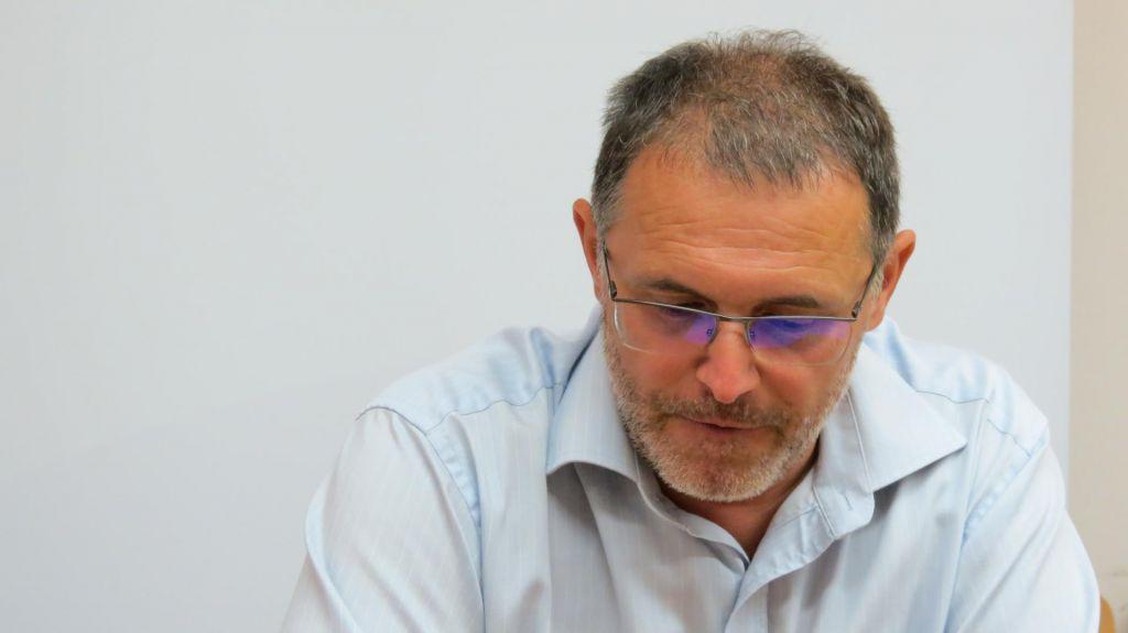 Serija žaljivih tvitov odnesla direktorja slovenjgraške bolnišnice