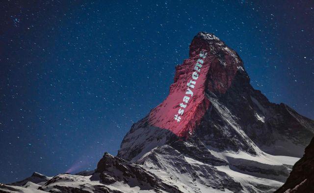 »Ptičji kljun«, kot gori z zelo ozko konico pravijo na italijanski strani, leži na meji med Švico in Italijo.FOTO:Fabrice Coffrini/AFP