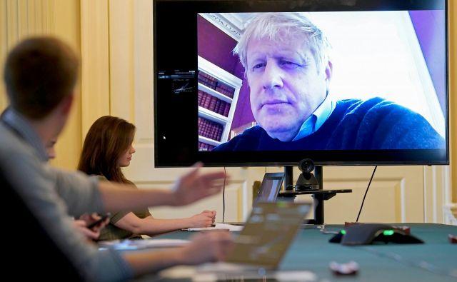 Boris Johnson je od potrditve okužbe v izolaciji. Da ima blage simptome okužbe, je objavil že 27. marca. FOTO:Andrew Parsons/AFP