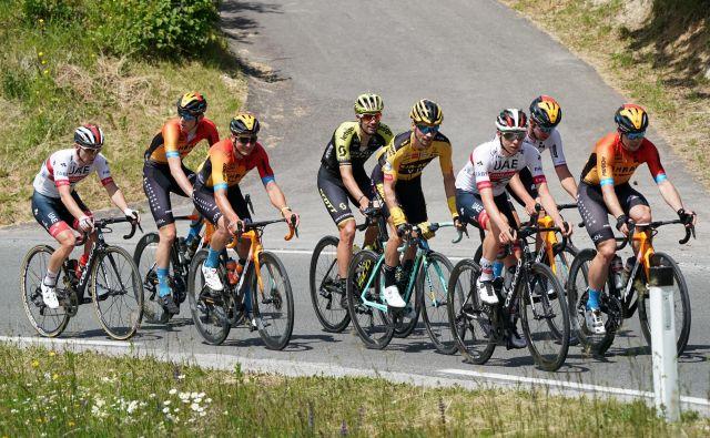 Zbrala se je slovenska kolesarska smetana in prekolesarila 200 kilometrov. FOTO: Aleš Fevžer