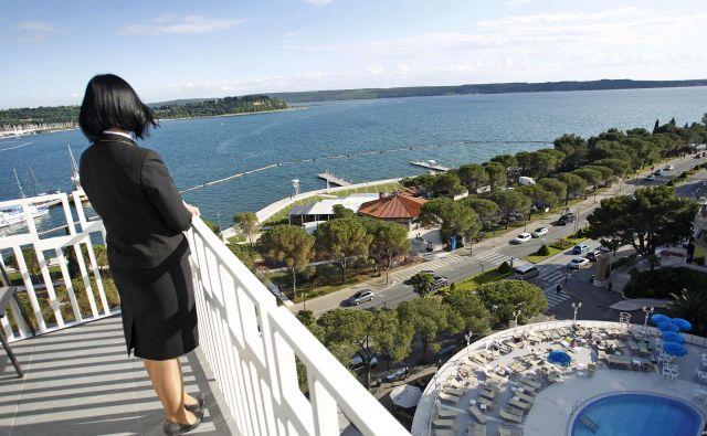 Hotelirje veseli, da domači turisti z velikim zanimanjem na novo odkrivajo slovensko obalo. Foto Leon Vidic