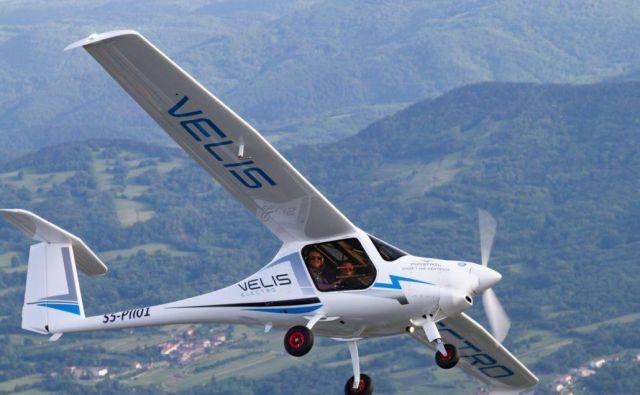 Velis Electro je dvosedežno letalo, namenjeno predvsem šolanju pilotov. FOTO: Pipistrel
