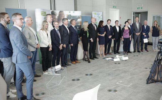 Dejavnost podjetij, ambasadorjev slovenskega gospodarstva, nas bo v prihodnosti postavila na mednarodni zemljevid. FOTO Uroš Hočevar/Delo