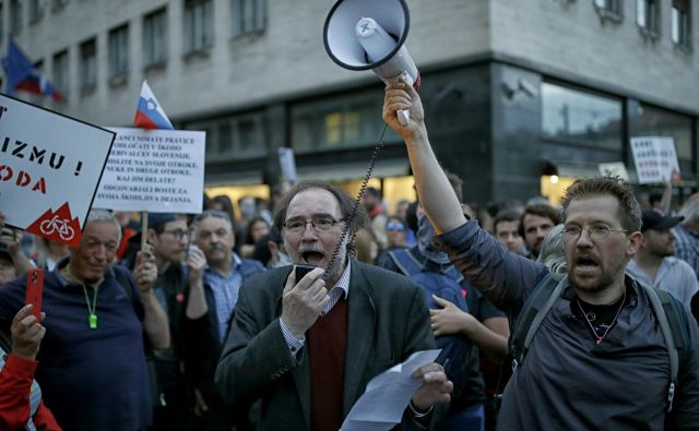 Protestniki namervajo vztrajati »dokler bo treba«. FOTO: Blaž Samec