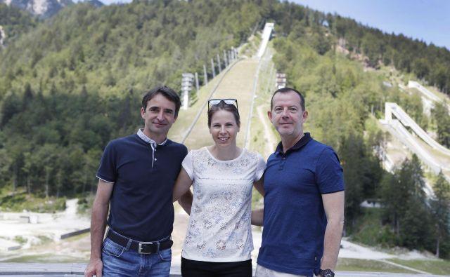 Franci Petek je bil v družbi Vesne Fabjan in Enza Smrekarja v soboto še kot direktor SZS, poslej pa bo vodil Zavod za šport Planica. FOTO: Leon Vidic/Delo