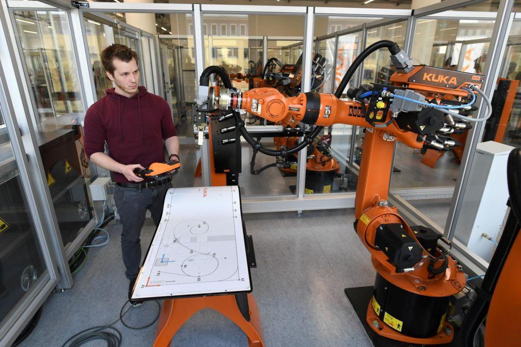 FOTO:Avtomatizacija zahteva tudi nova znanja
