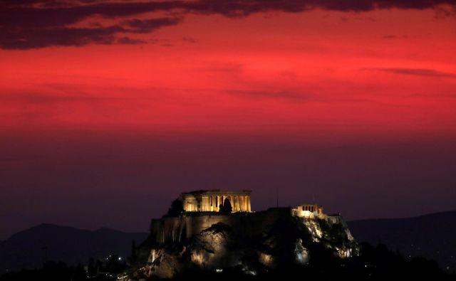 Čeprav se je v Grčijo, ki se je več kot deset let spoprijemala s finančnimi težavami, vrnil optimizem, so zdaj domačini spet zaskrbljeni nad prihodnostjo. FOTO:Yannis Behrakis/Reuters