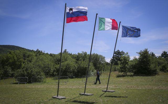 Velik del Slovencev ni pripravljen sprejeti enačenja žrtev fašističnega nasilja z žrtvami maščevanja nad njim.FOTO: Jože Suhadolnik/Delo