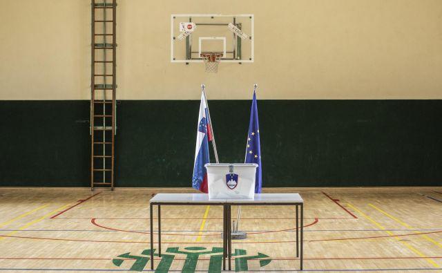 Prednostni glas ni realna možnost, pač pa je bistveno bolj realna rešitev prilagoditev velikosti volilnih okrajev, pravi minister za javno upravo Boštjan Koritnik.