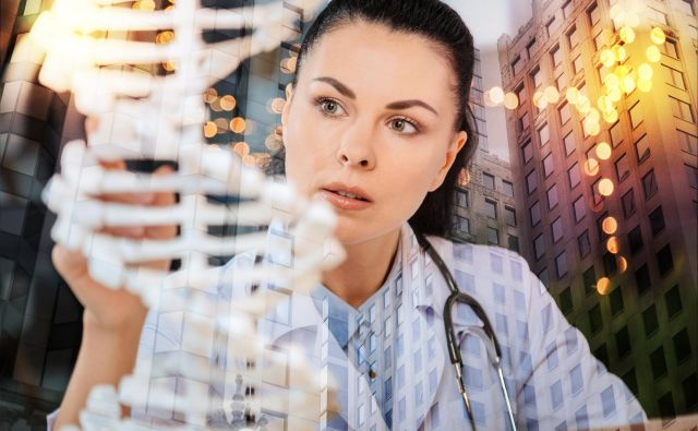 Z uveljavljanjem genskih terapij kot možnostjo zdravljenja se pričakuje, da se bodo tudi zdravstveni sistemi v prihodnosti spremenili in se prilagodili novim načinom zdravljenja ter izjemni vrednosti, ki jo to prinaša bolnikom. FOTO: Shutterstock