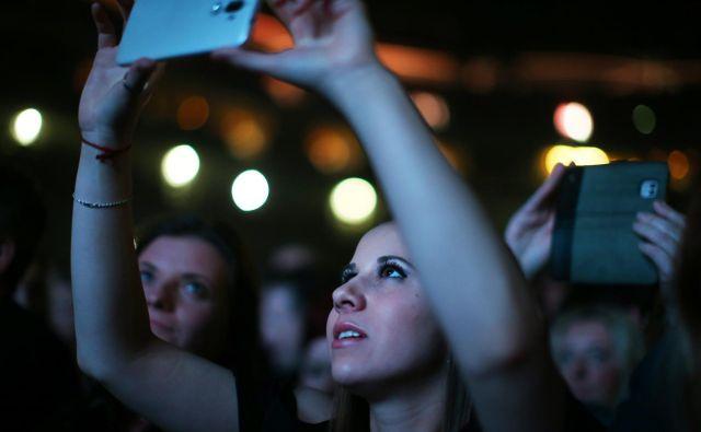 Tako neznansko daleč se mi zdi tisti čas, da se niti ne spomnim, kateri je bil zadnji koncert, ki sem ga letos obiskala. FOTO: Jure Eržen/Delo