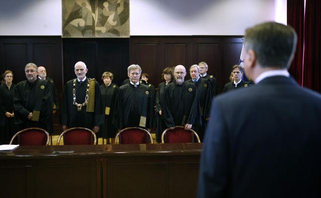 Zaradi odločitve politike je pravosodni sistem tako rekoč obstal, to pa je močno oklestilo tudi prihodke odvetnikov. FOTO: Blaž Samec/Delo