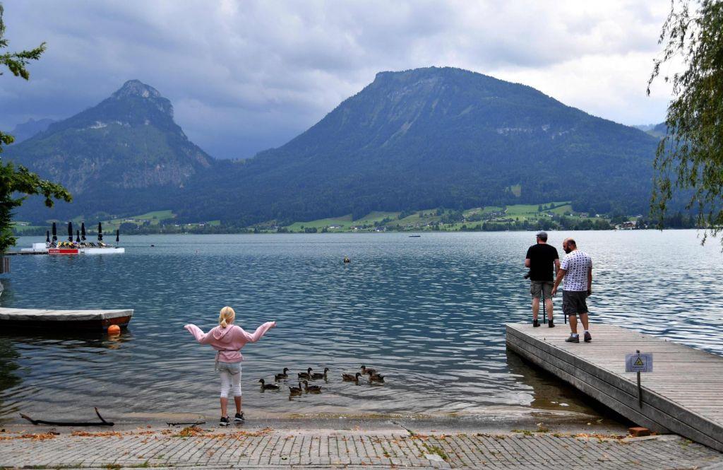 FOTO:Pri nas 14 novih okužb, na Hrvaškem 71, v Avstriji 169