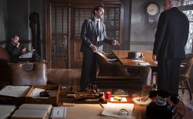 Novi <em>Perry Mason</em> je v najžlahtnejšem smislu proceduralna detektivka. Foto promocijsko gradivo