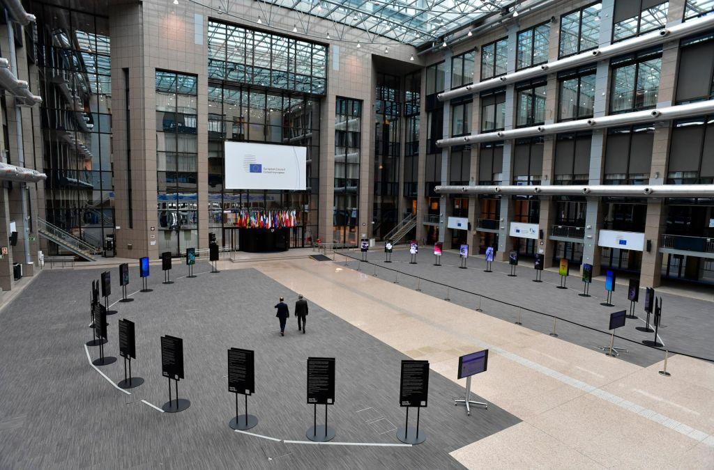 Zakaj evropski avtokrati ne bi smeli prehitro proslavljati