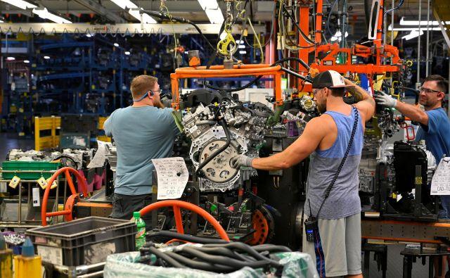 Kljub težavam se izboljšuje tudi globalna industrijska proizvodnja. FOTO: Harrison McClary/Reuters