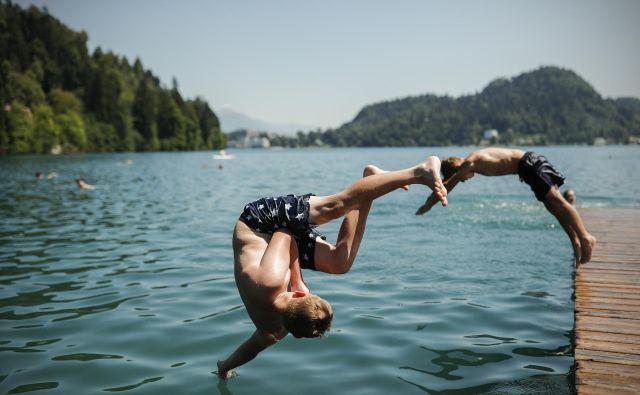 V časih epidemije covid-19 se zdi, da je skok v vodo najbolj varen nekje blizu doma.<br /> FOTO: Uroš Hočevar