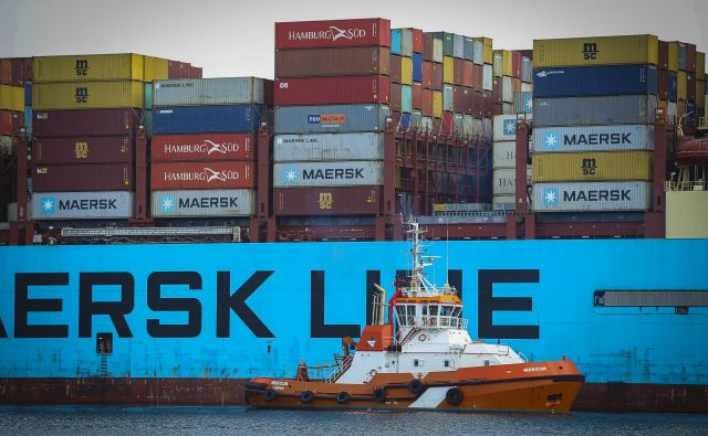 Luka Koper je v primerjavi s severnoevropskimi pristanišči s pandemijo izgubila manjši delež pretovora, Azija in Bližnji vzhod pa bosta še naprej njena pomembna trga. FOTO: Jože Suhadolnik