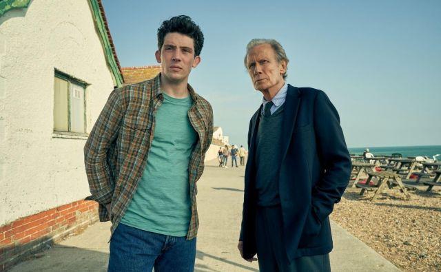 Film je posejan z utrinki, med katerimi se Edwardov in Gracein sin Jamie spominja, kako varnega se je počutil, ko ju je med sprehodi držal za roke. Foto promocijsko gradivo