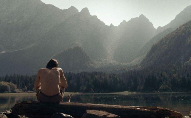 Potop režiserja Kristijana Krajnčana, sicer glasbenika, je alegorija kompleksnega odnosa med očetom in sinom.