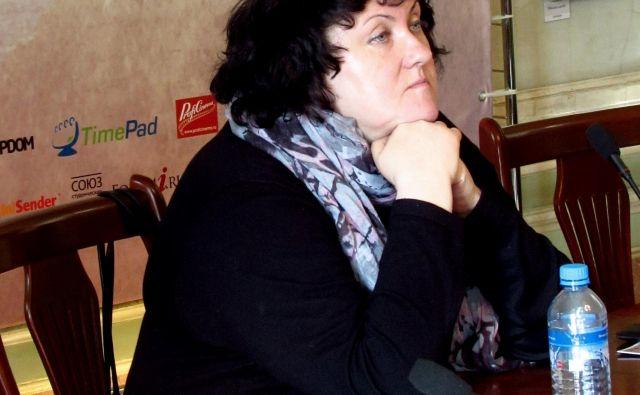 »Ko sem začela delati kot novinarka pri mladinskem časopisu, sem pokrivala najstnike, izobraževanje in kulturo,« je povedala Nadežda Ažgihina.Foto L. Osepjana