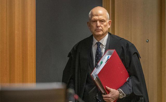 Med sojenjem je dal prednost človečnosti in obnavljanju družbenega tkiva.FOTO: John Kirk-Anderson/Pool/Reuters