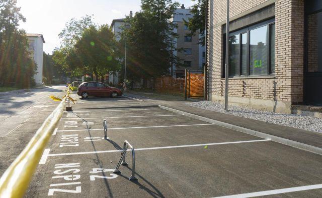 Parkirišča v Gorazdovi ulici so označena. FOTO: Vid Svetina/Delo