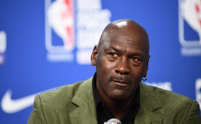 75 odstotkov košarkarjev v ligi NBA je Afroameričanov, edini temnopolti lastnik kluba je Michael Jordan. FOTO: Franck Fife/AFP