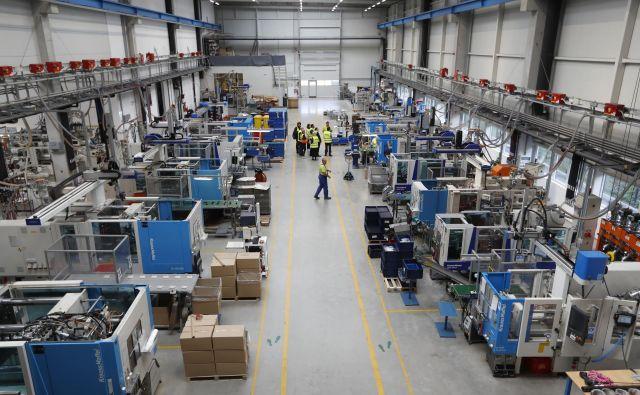 Industrija 4.0 prinaša podjetjem okretnost, prilagodljivost, produktivnost in sposobnost za proizvodnjo novih izdelkov. FOTO Leon Vidic/Delo
