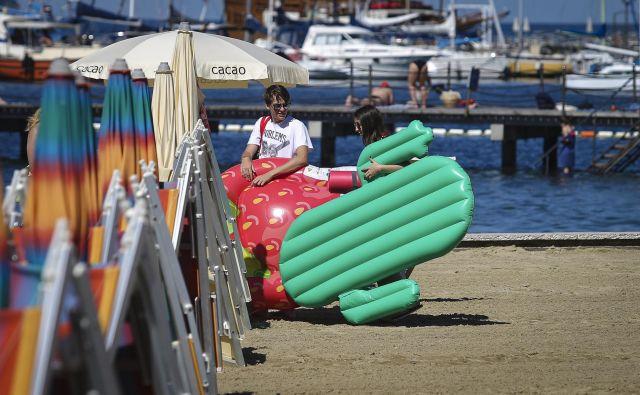 Dendar za podporo turizmu se z rebalansom letošnjega proračuna povečuja za 14,8 milijona evrov na 39 milijonov evrov. FOTO: Jože Suhadolnik/Delo