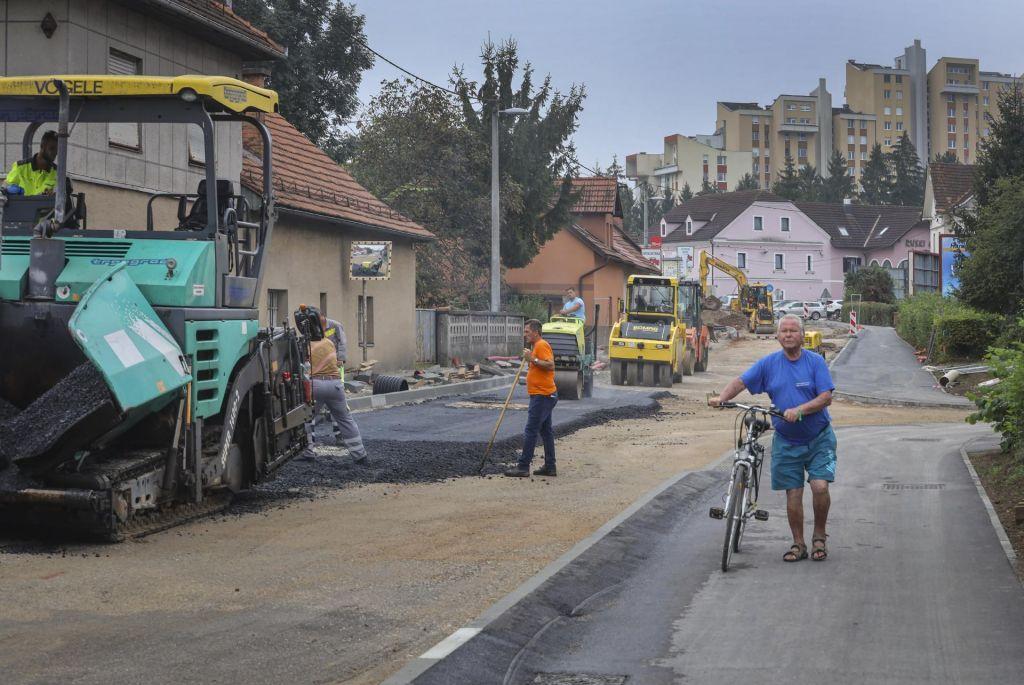 FOTO:Prenova Dunajske se seli znotraj obroča