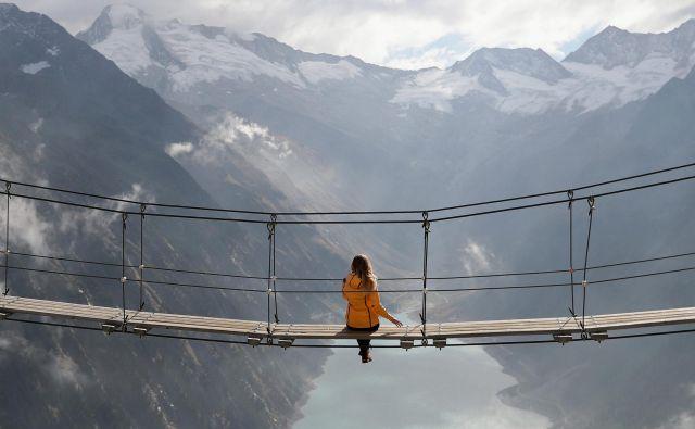 Vode v ledeniških jezerih je zaradi taljenja ledenikov vedno več. FOTO: Lisi Niesner/Reuters