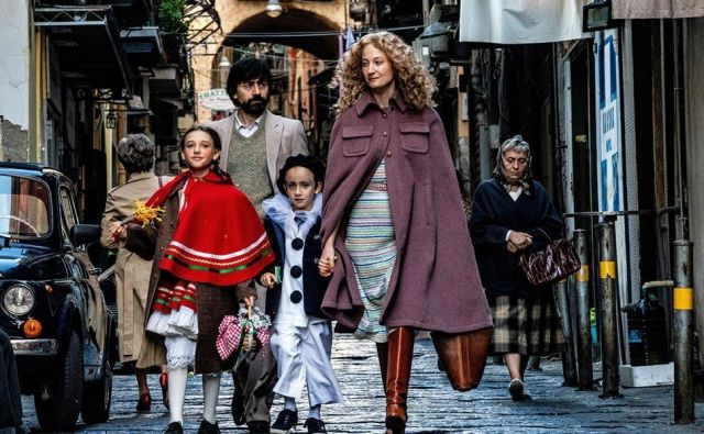 Čast otvoritvenega filma 77. Mostre je po enajstih letih spet pripadla italijanskemu režiserju. Daniele Luchetti bo festival odprl s filmom <em>Lacci </em>(Vezi).<em> </em>Foto arhiv beneškega filmskega festivala