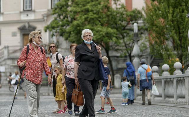 Projekcije kažejo, da bo do leta 2060 skoraj 30 odstotkov prebivalcev Slovenije starejših od 60 let. Foto Blaz Samec