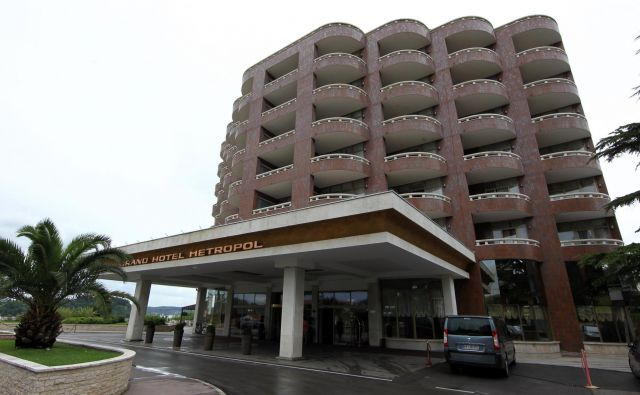 Kako odpreti hotel v Portorožu? FOTO: Blaž Samec/Delo